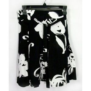 Candie's Skirt Size 9 Floral Black & White
